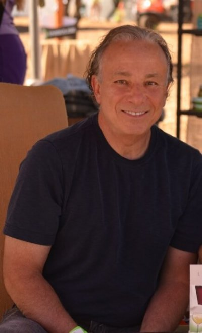 Interview with member Len Napolitano, author of Nose, Legs, Body! Know Wine Like the Back of Your Hand